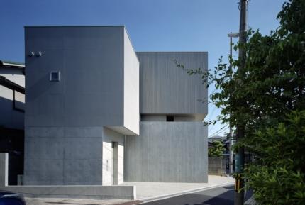 藤原・室 建築設計事務所豊中の家