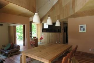 広島の家テーブル