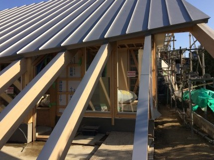 奈良学園前の家屋根
