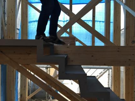 堺の家階段