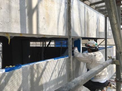 香川高松のガレージハウス、サッシ工事