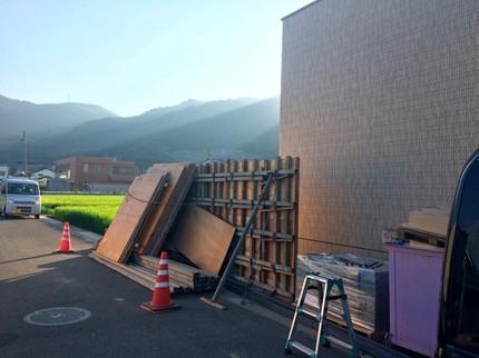 福山の家杉板型枠の塀2