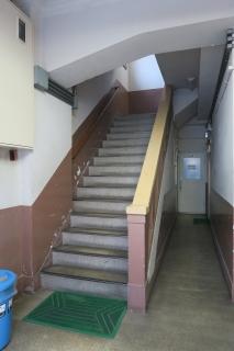 神戸事務所階段