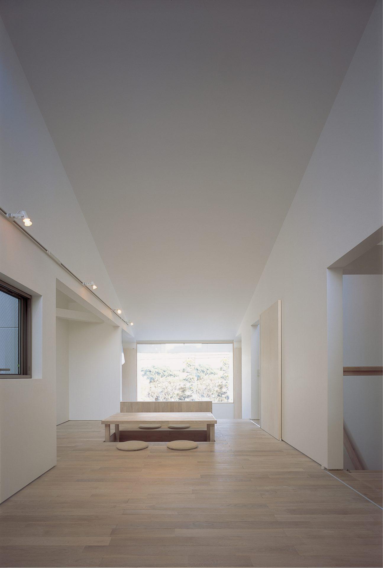 大阪敷地25坪に建つ家のリビング01