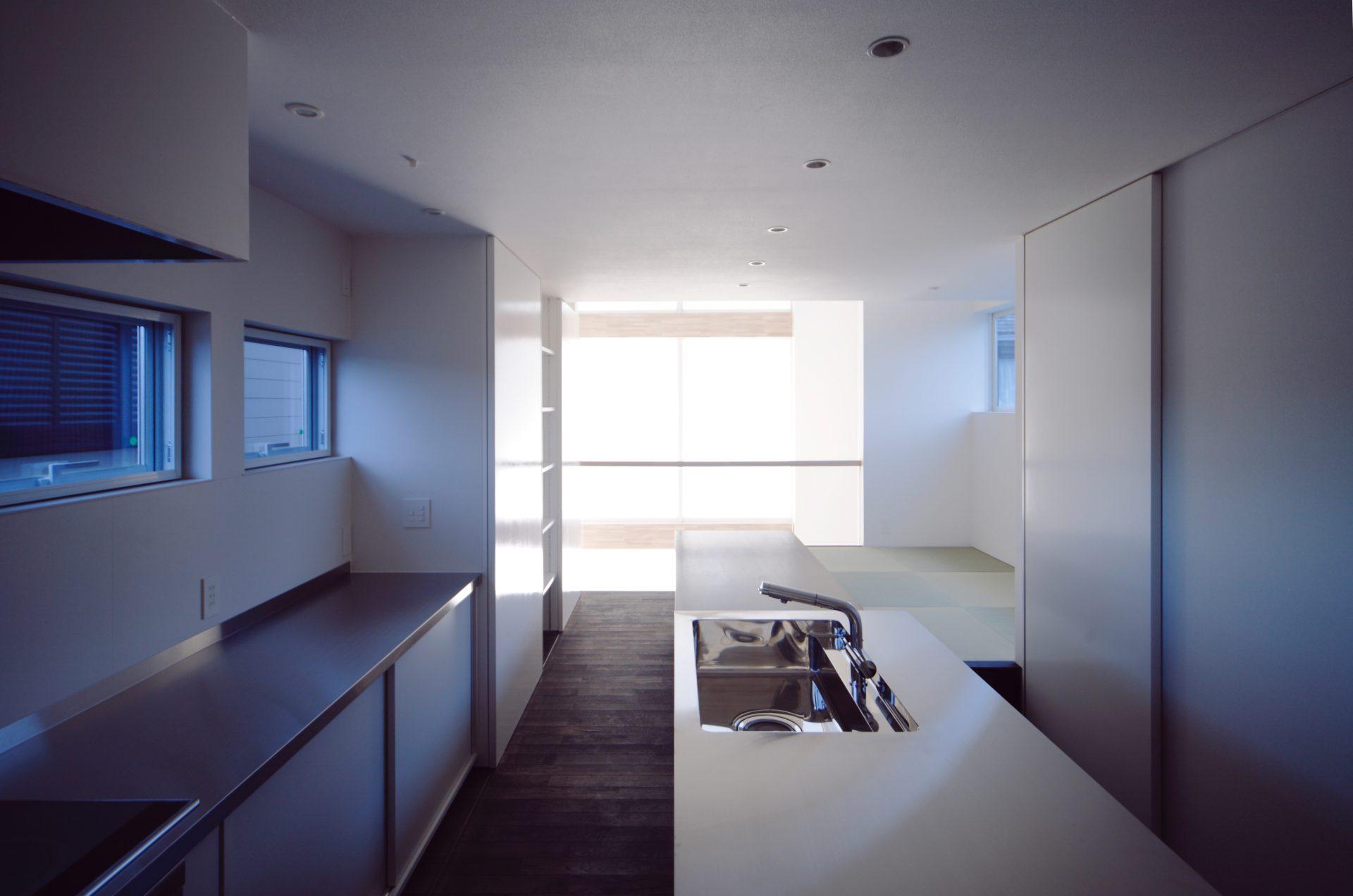 三重伊賀の家のダイニングキッチン