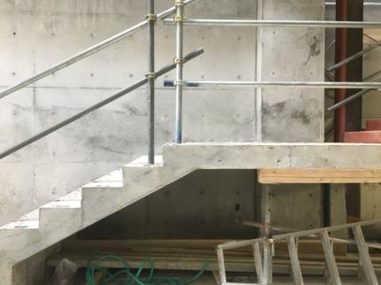 鉄筋コンクリート階段