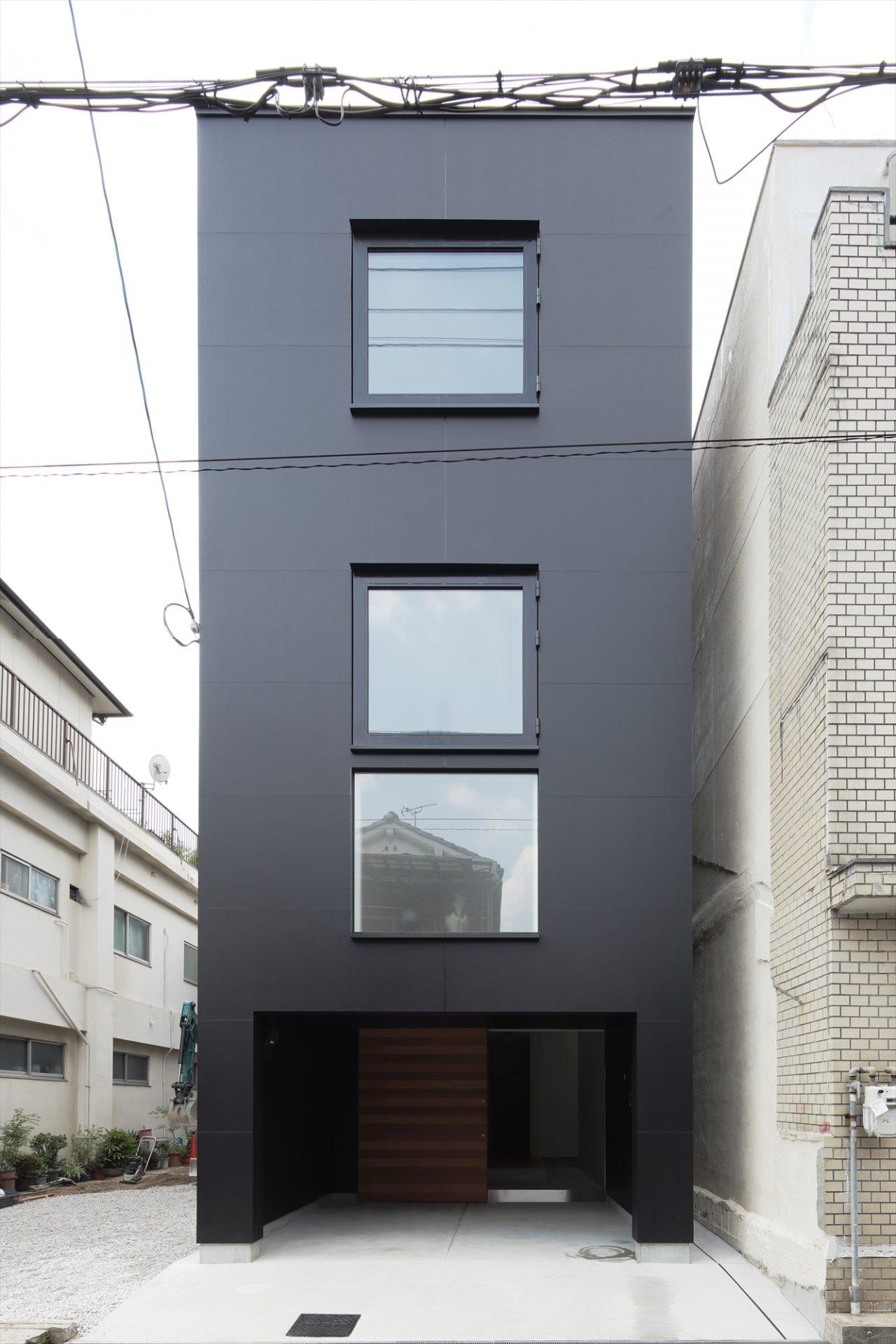 大阪小さなサンルームのある家の外観