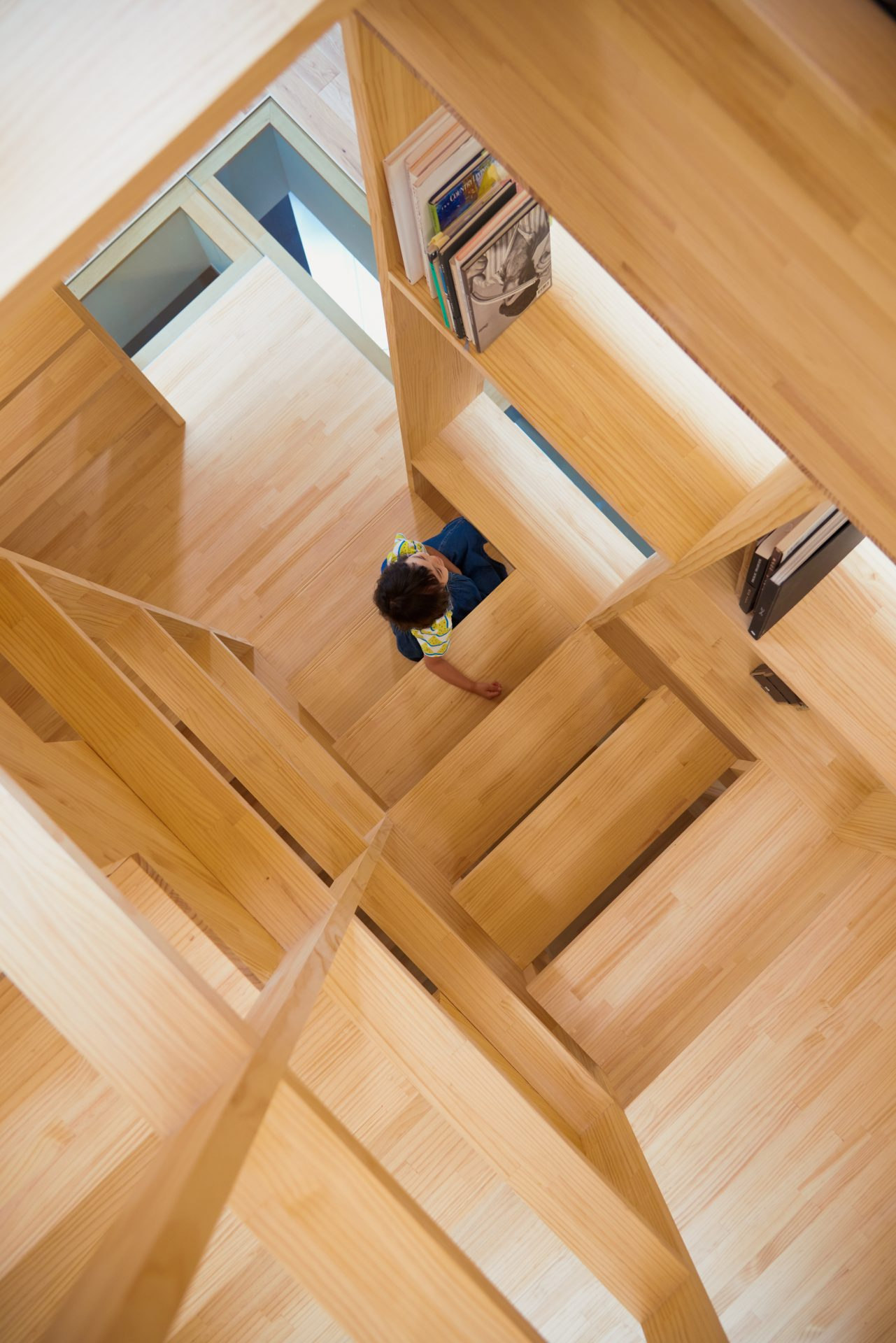 大阪帝塚山の家の階段06