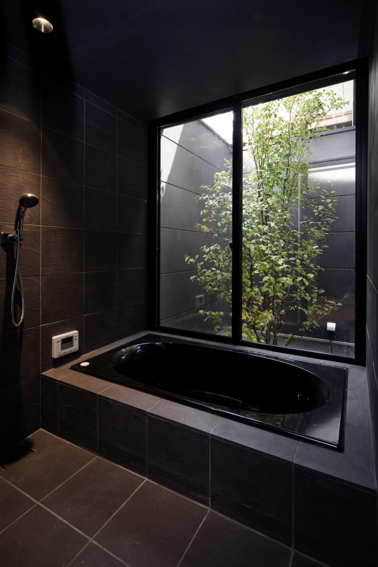 奈良登美ヶ丘の家の浴室