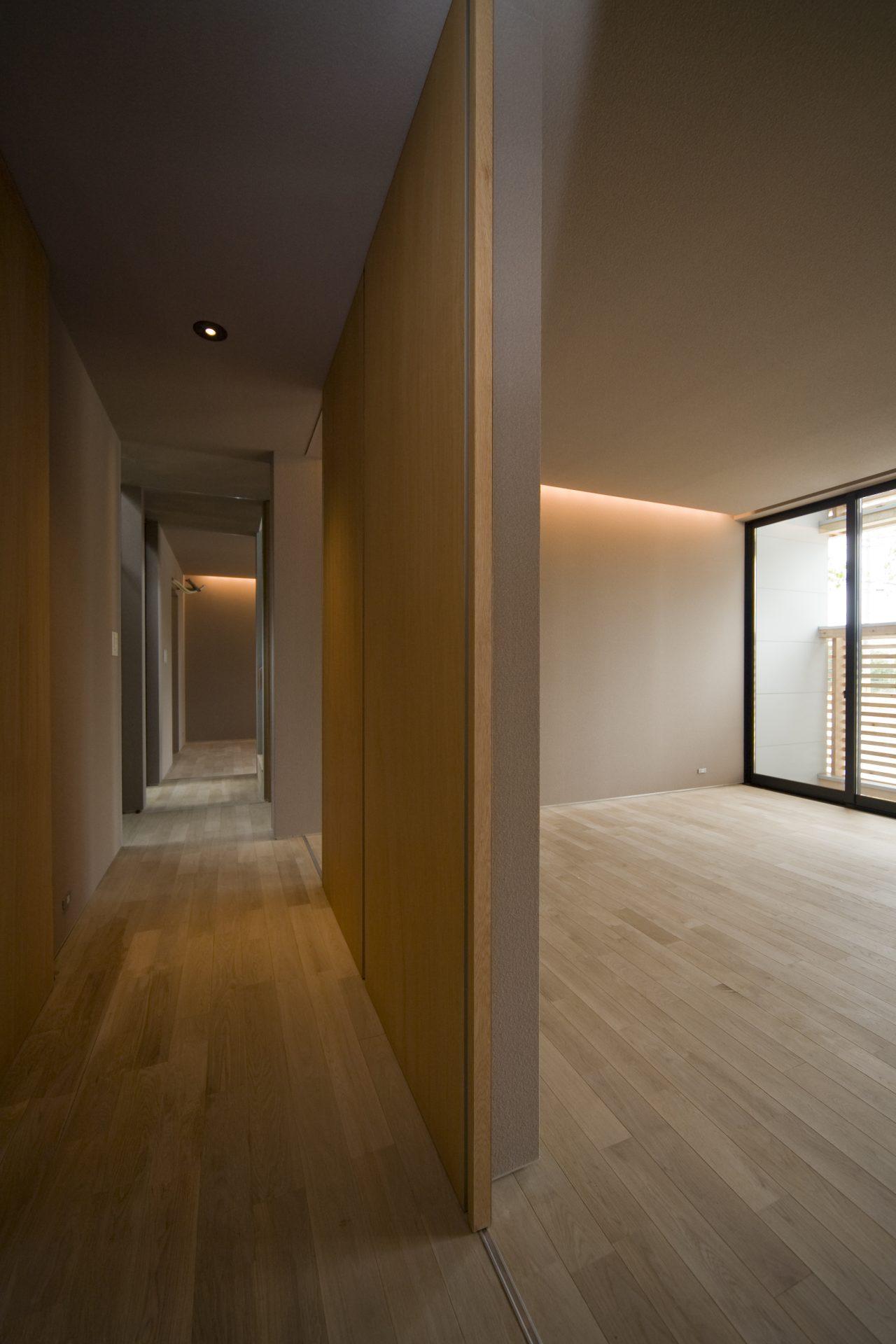 奈良登美ヶ丘の家の廊下