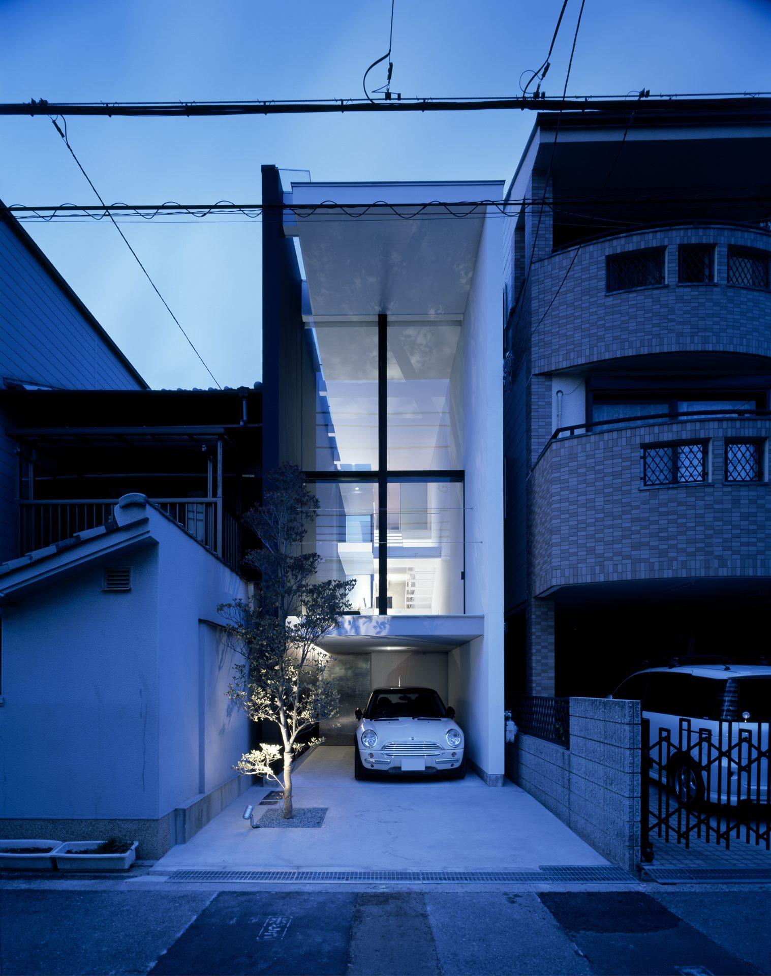 大阪昭和町の家の外観(夜景)