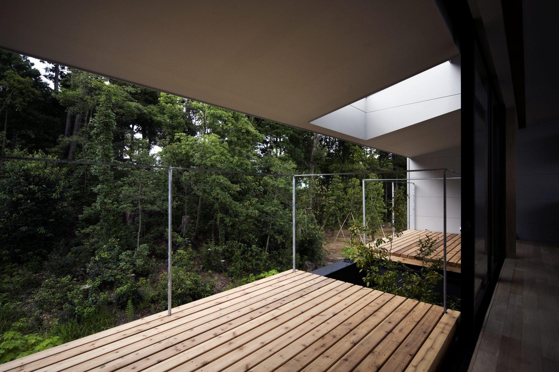 奈良登美ヶ丘の家のバルコニー01