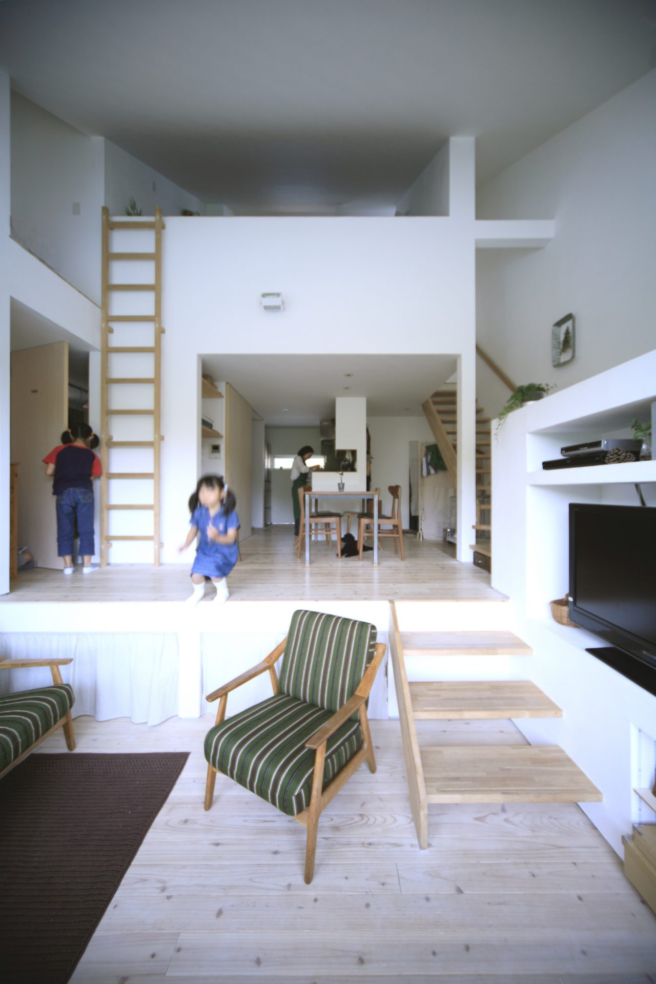 兵庫三田の家のリビング01