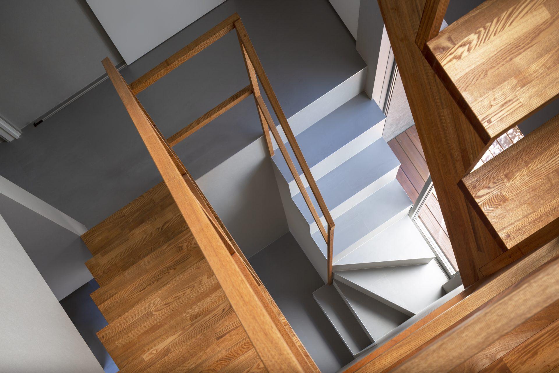 兵庫夙川の家の階段01