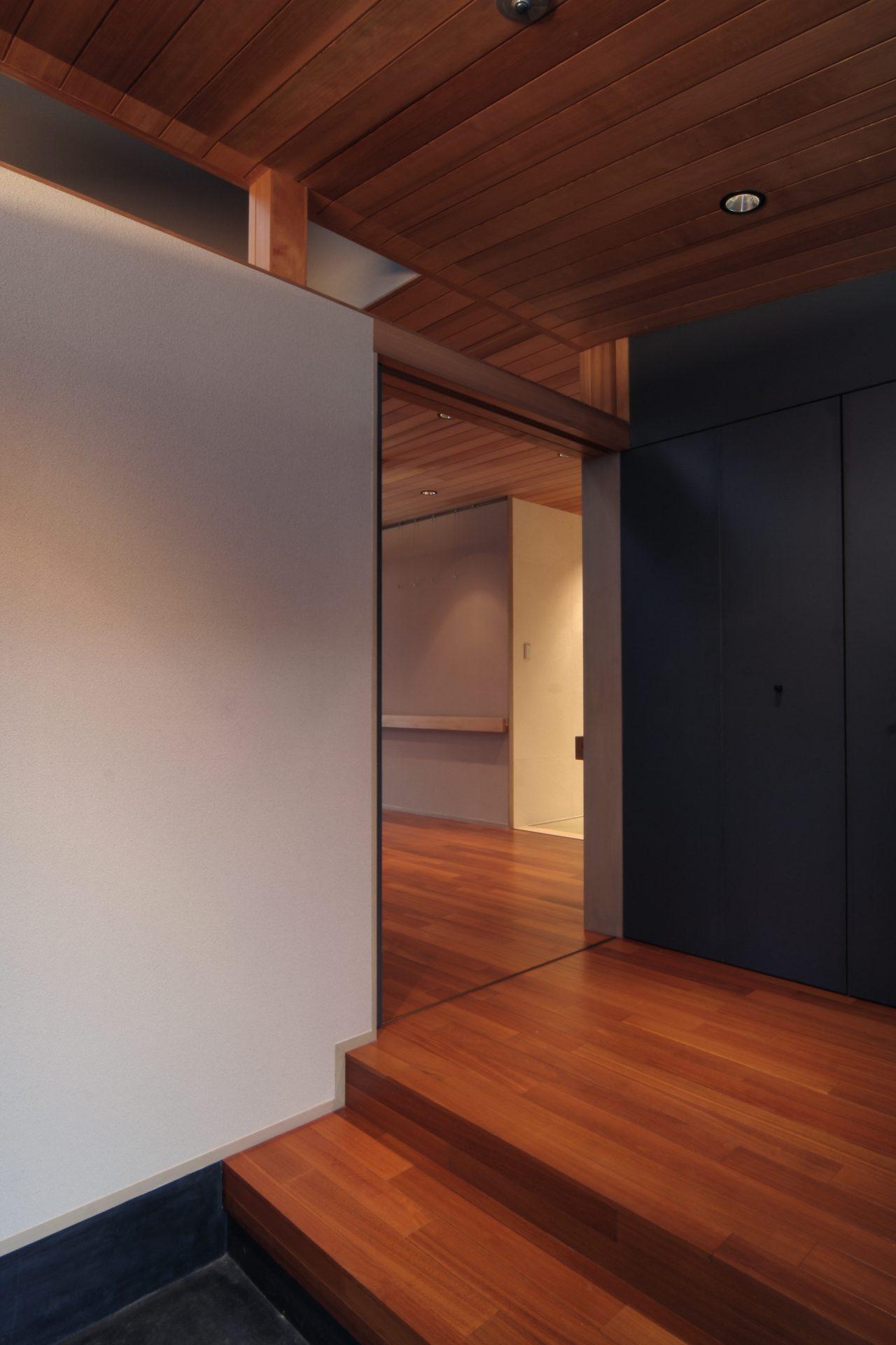 大阪弥刀の家の玄関