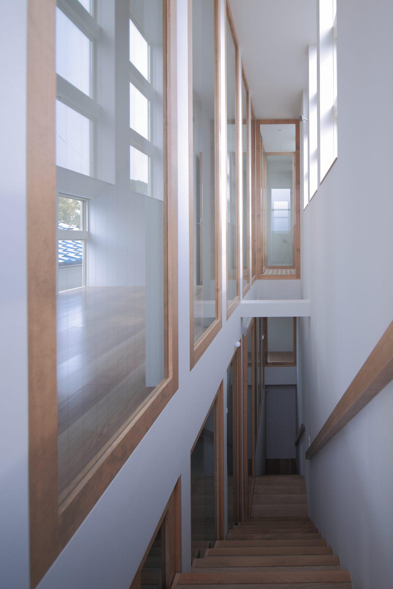 兵庫塚口の家の階段04