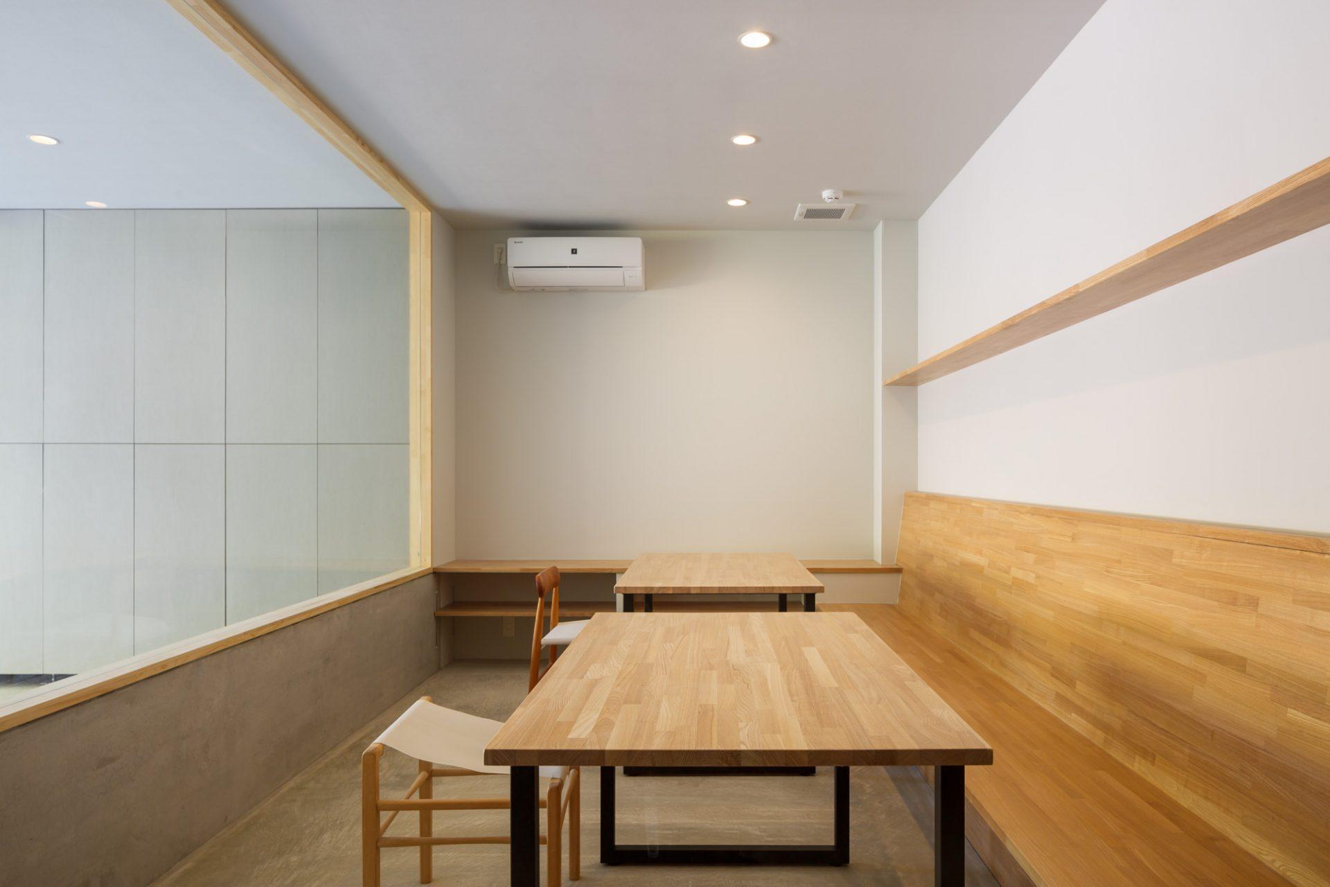 大阪 中西プラスチック株式会社のギャラリー兼ミーティングスペース03