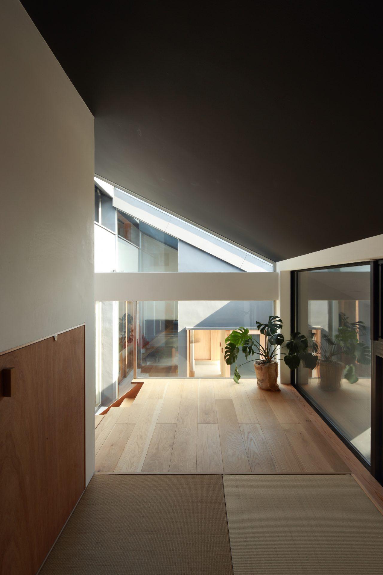 奈良片流れの家の和室