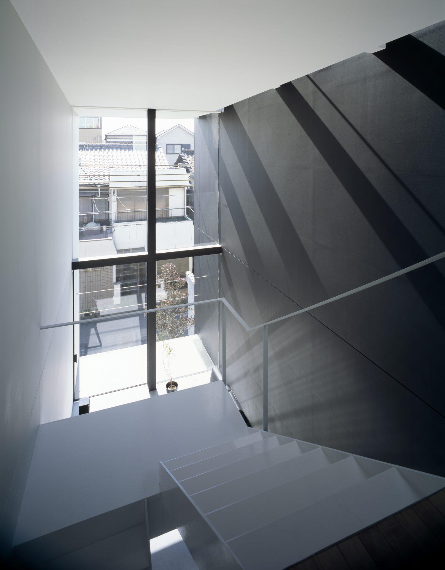 大阪昭和町の家の階段