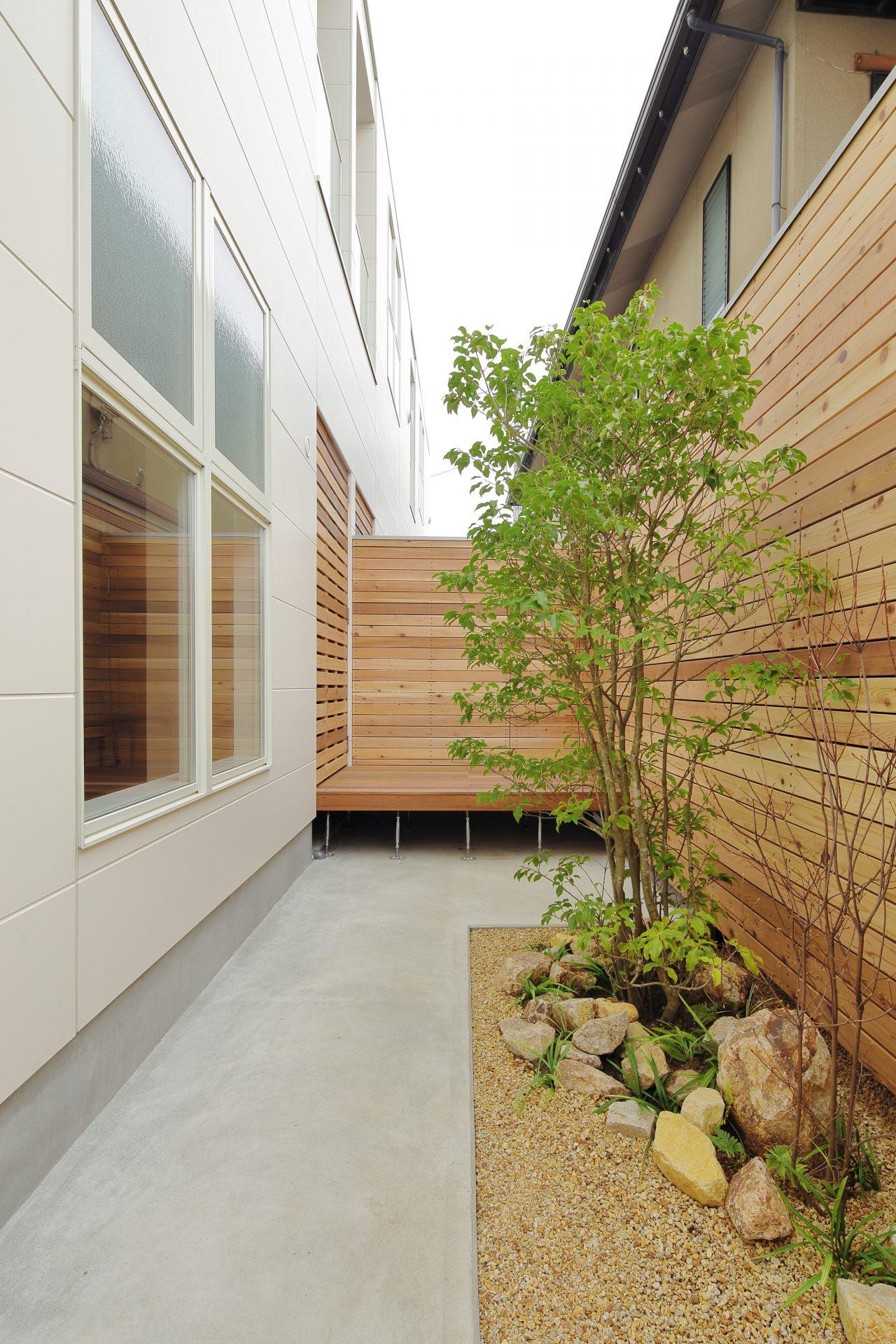 大阪玉串元町アパートメントの中庭