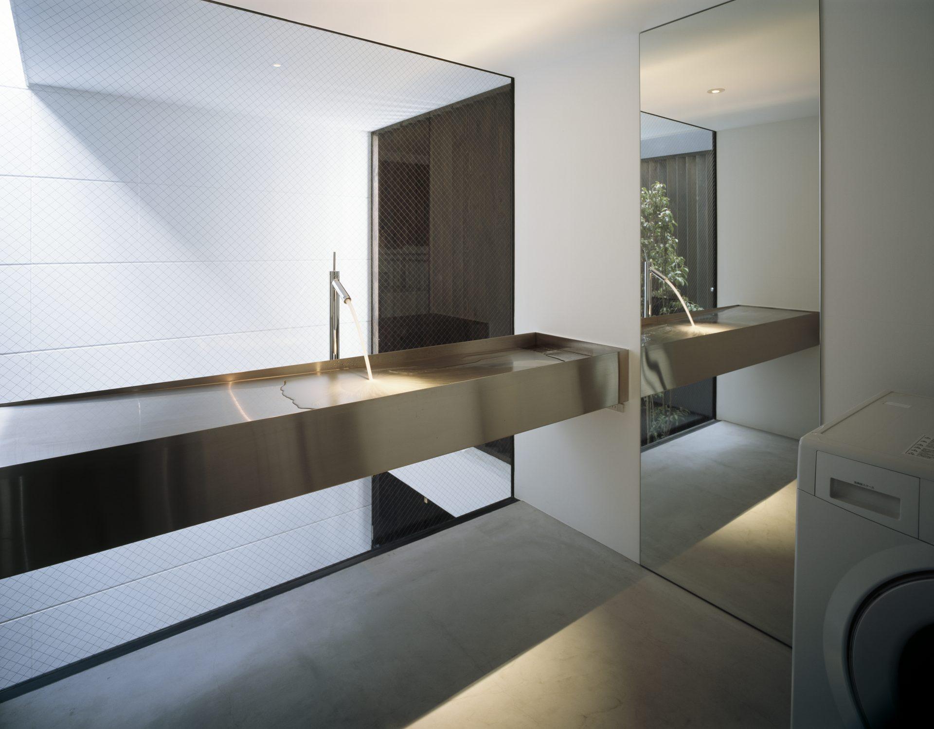 大阪昭和町の家の洗面室