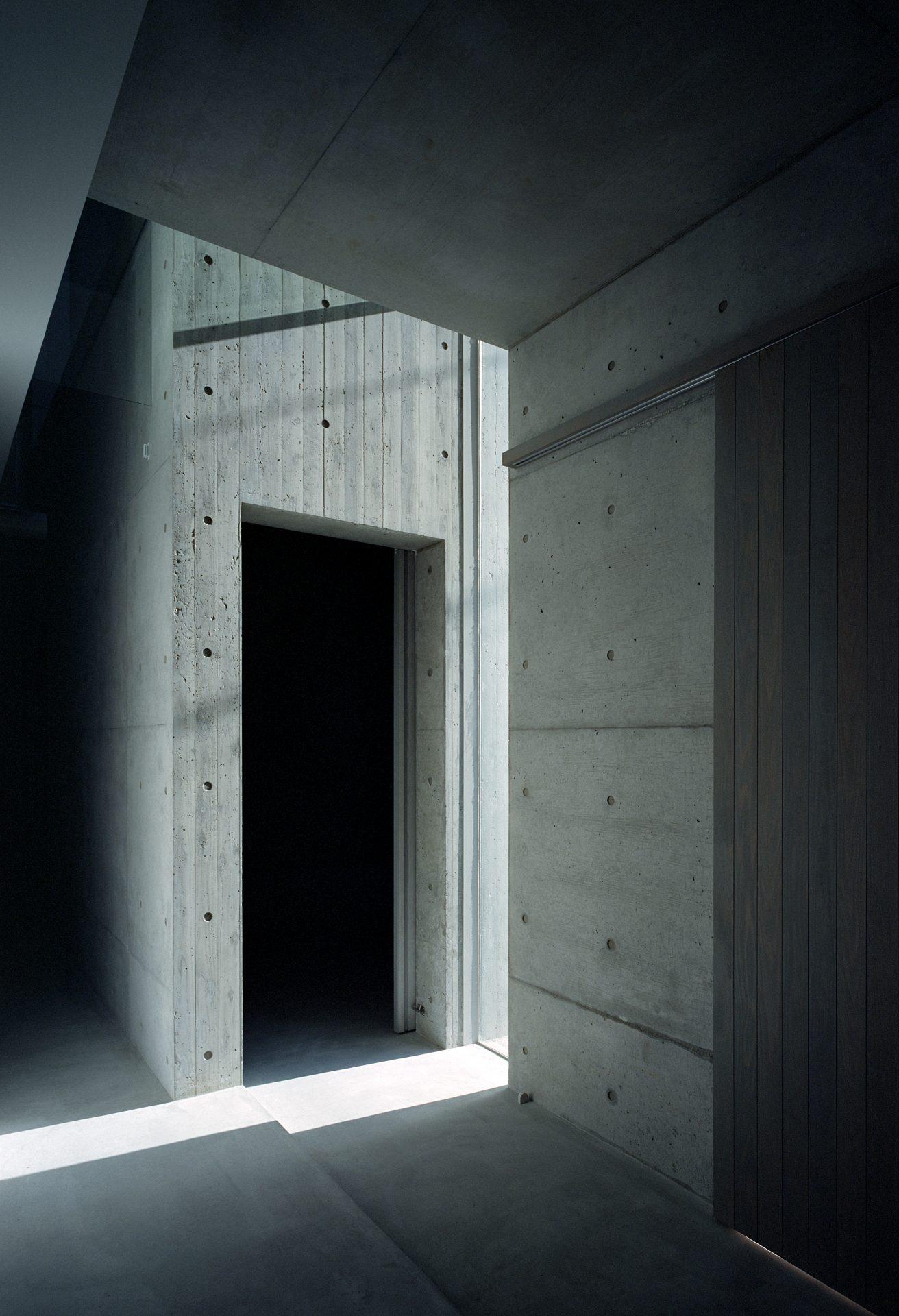 大阪豊中の家の玄関01