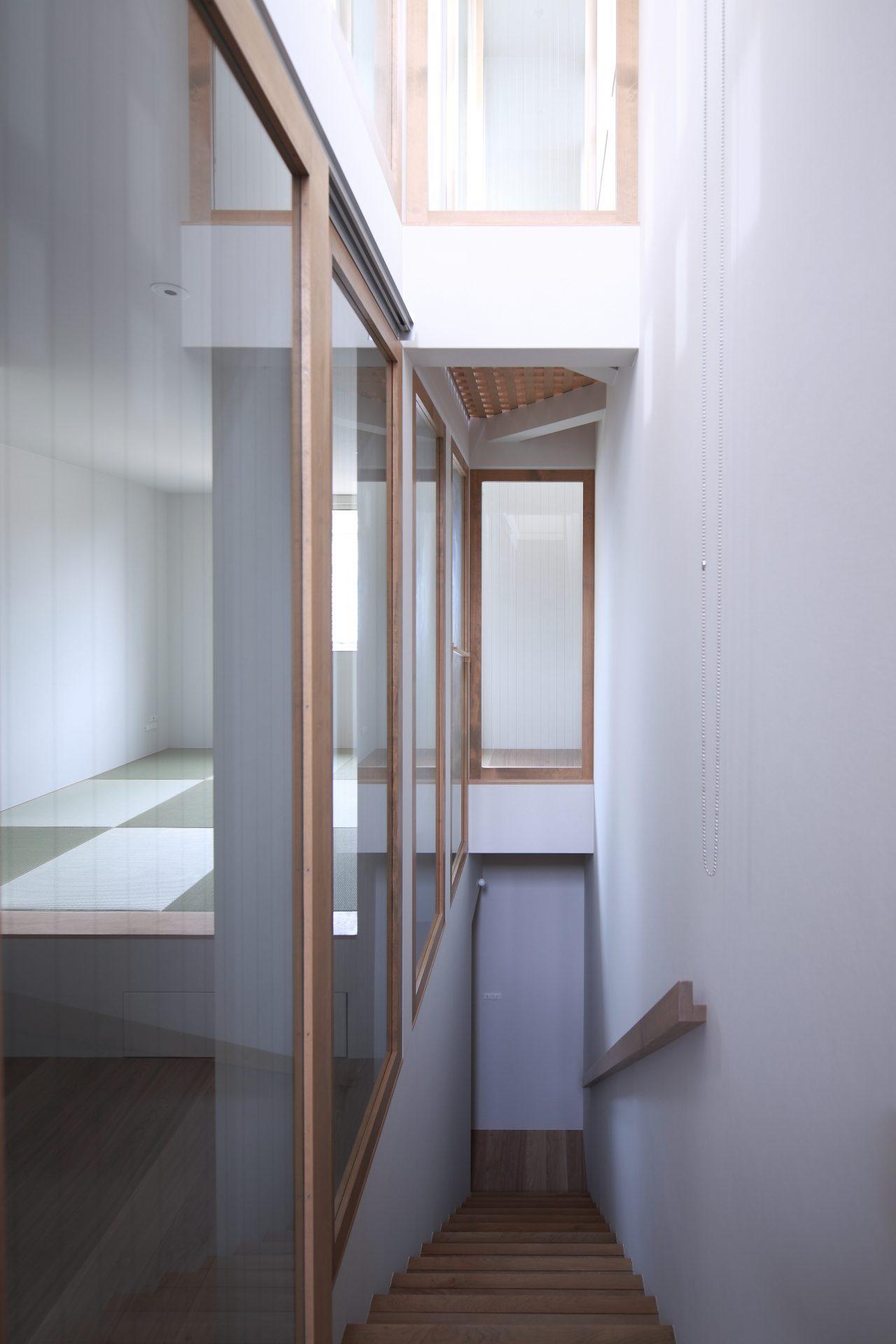 兵庫塚口の家の階段03
