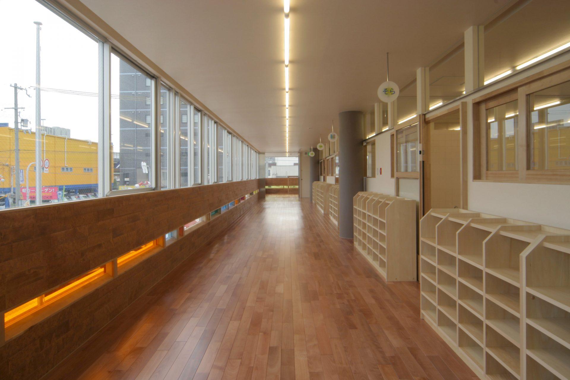 大阪むぎの穂第2保育園の廊下