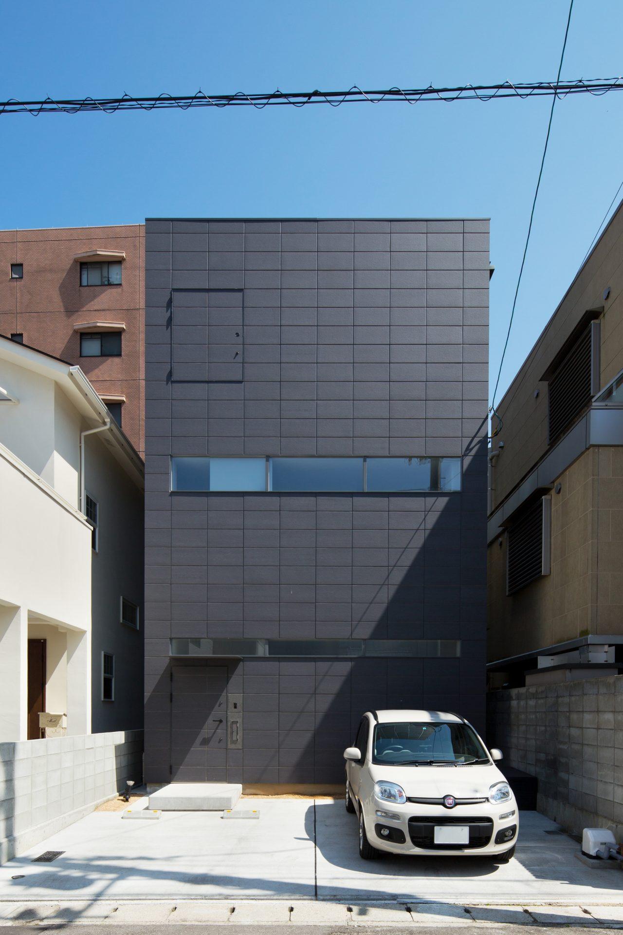 徳島3世帯の家の外観