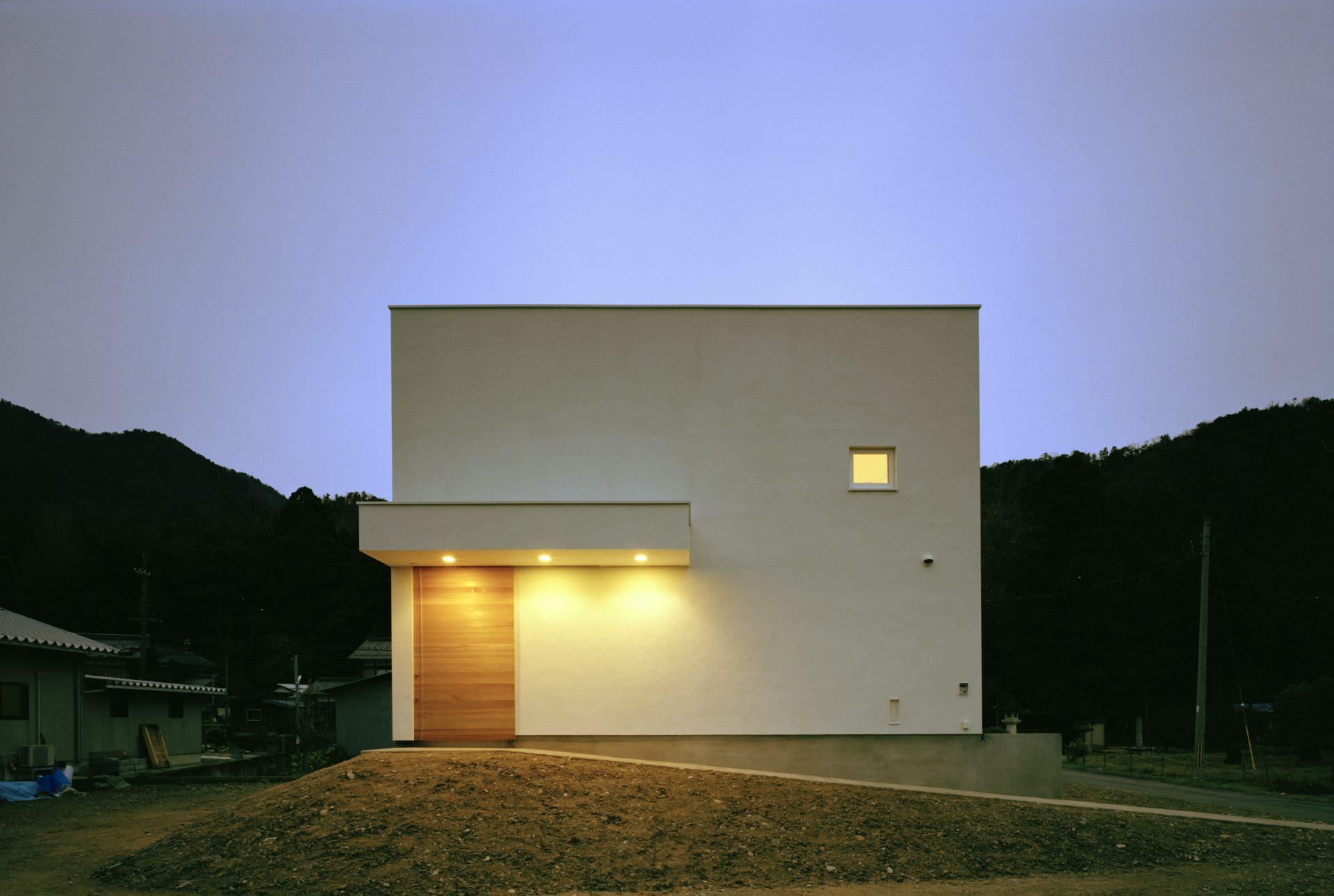 福井小浜の家の外観(夜景)