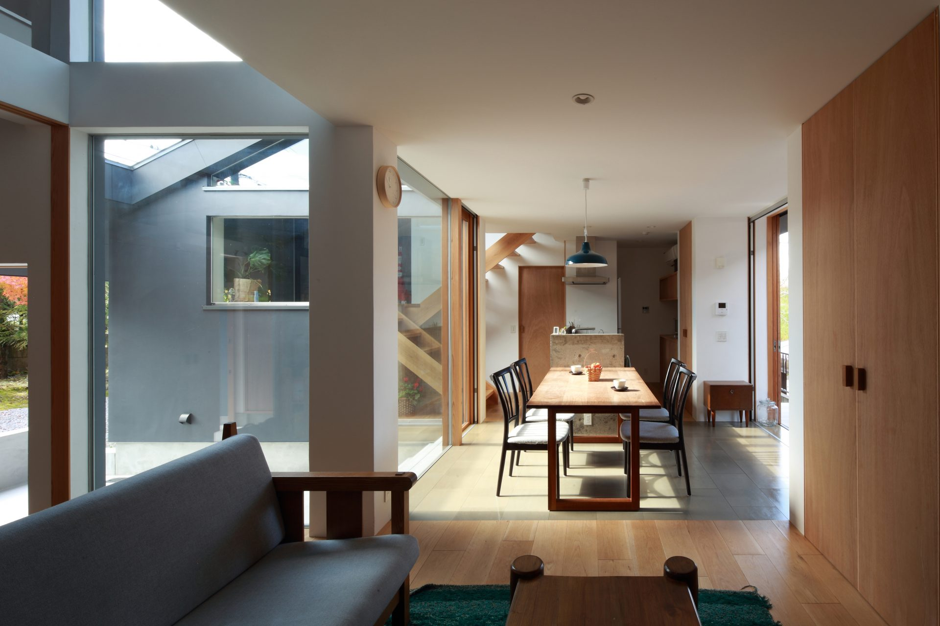奈良片流れの家のリビング