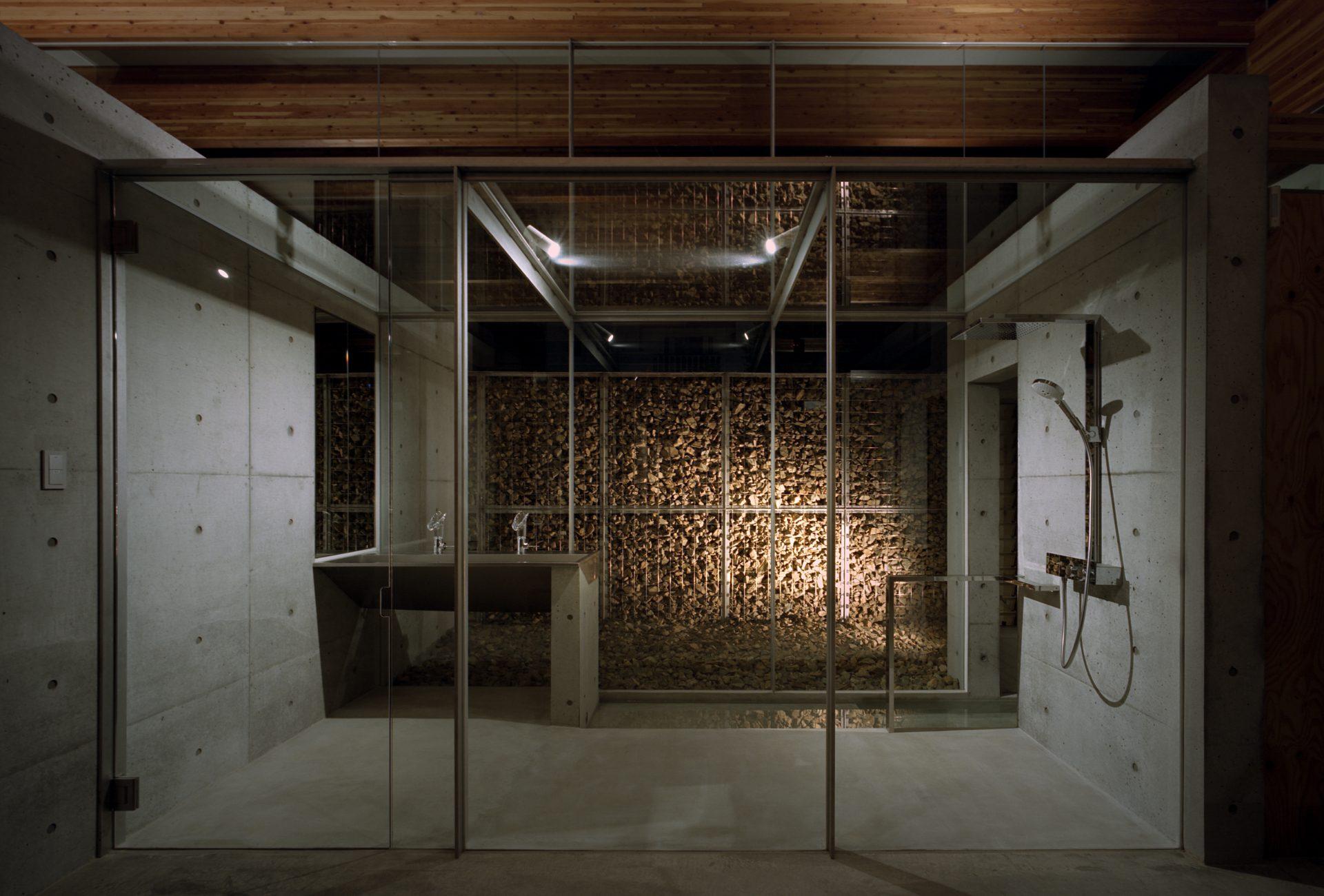 兵庫神戸北の平屋のシャワールーム(夜景)