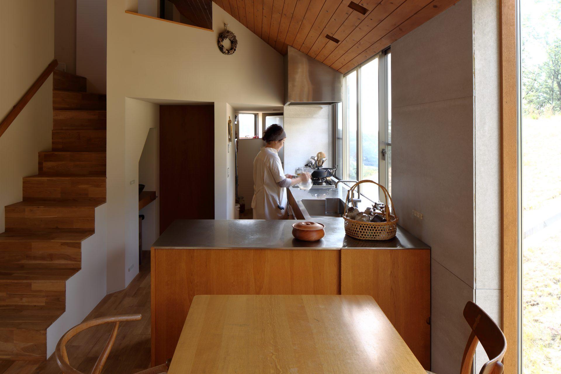 兵庫神戸北の家のダイニングキッチン06