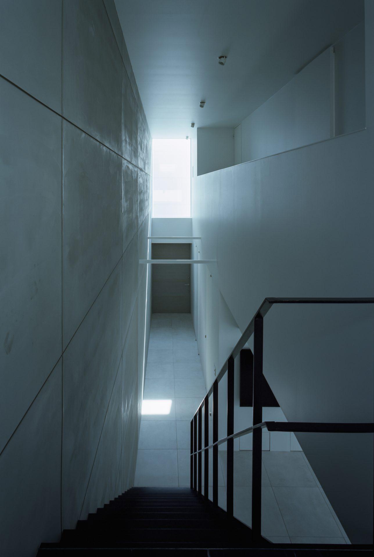 大阪河内長野のコートハウスの階段