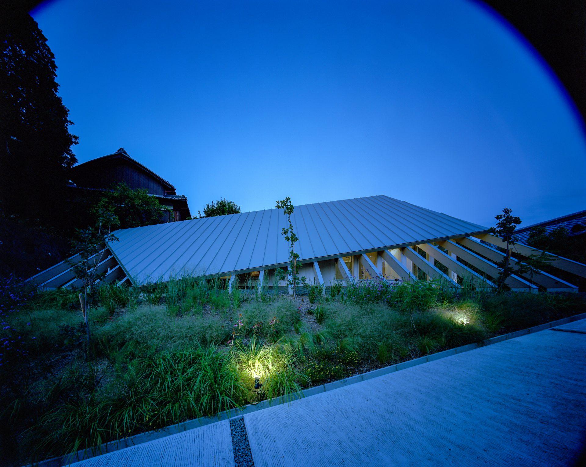 奈良学園前の家の外観(夜景)01