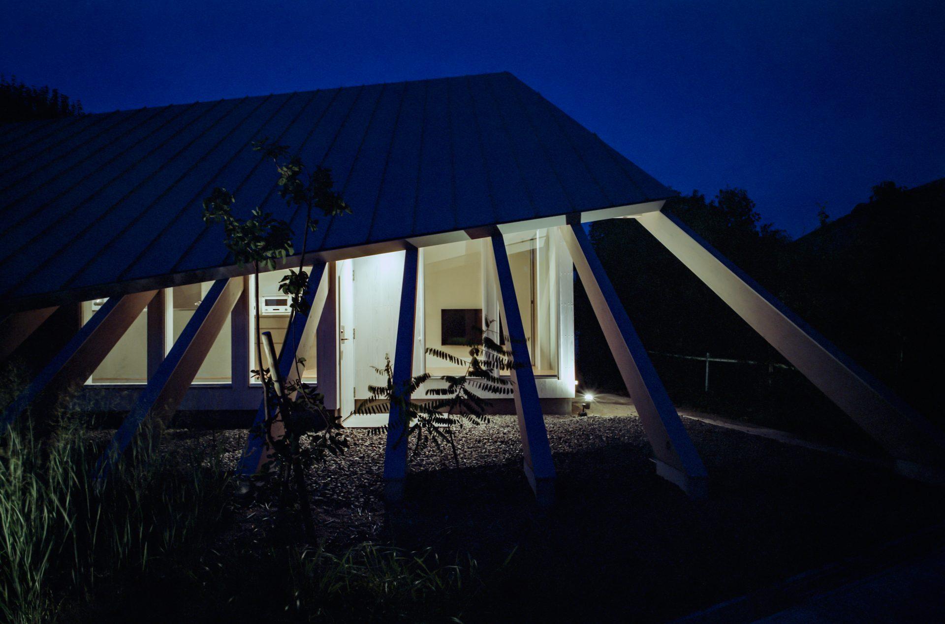 奈良学園前の家の外観(夜景)03