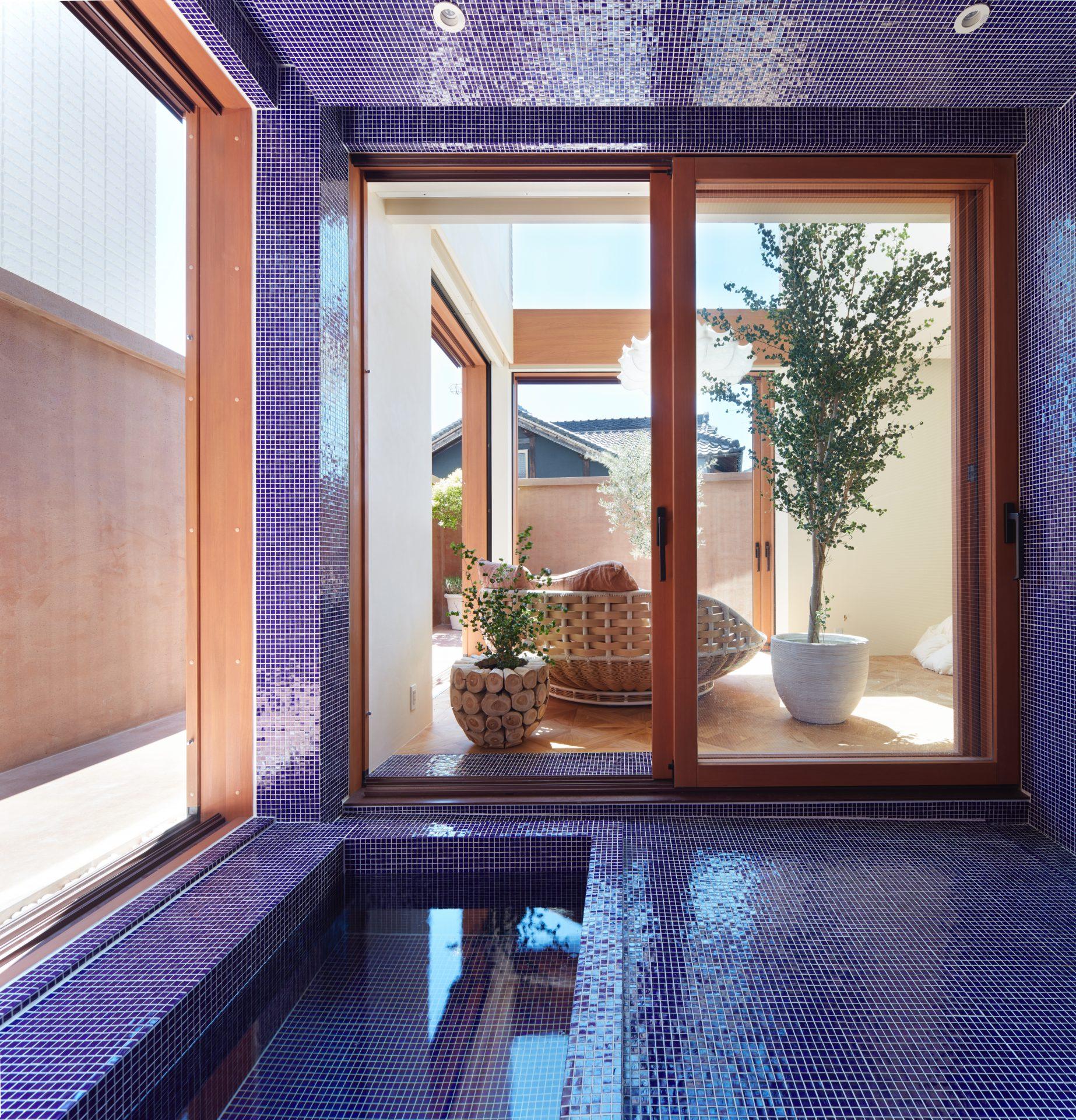大阪帝塚山の家の浴室01