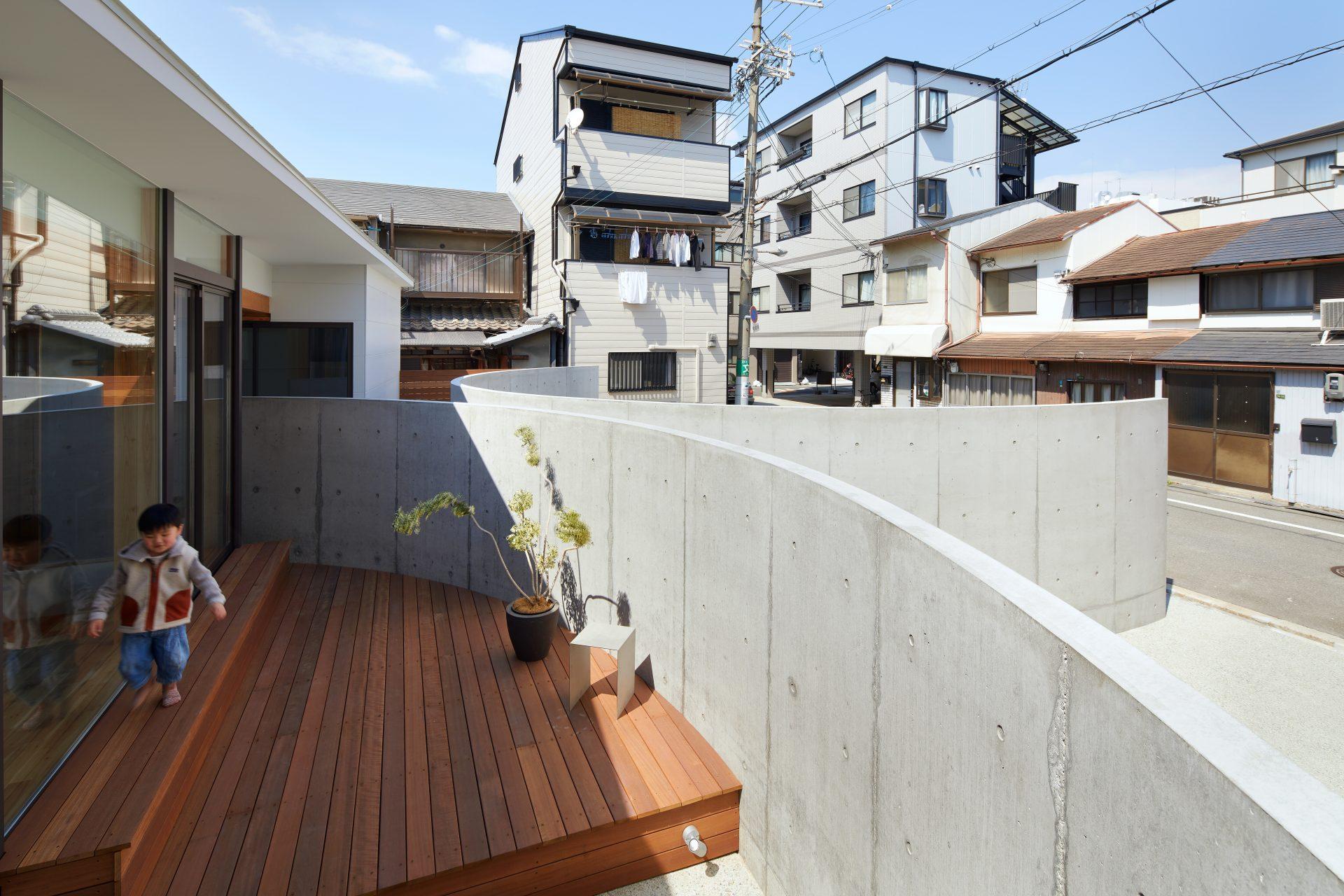 大阪此花の家のテラス