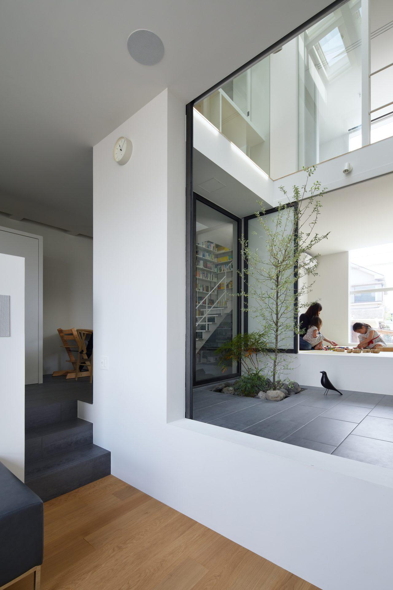 兵庫甲陽園サンルームのある家のリビング02