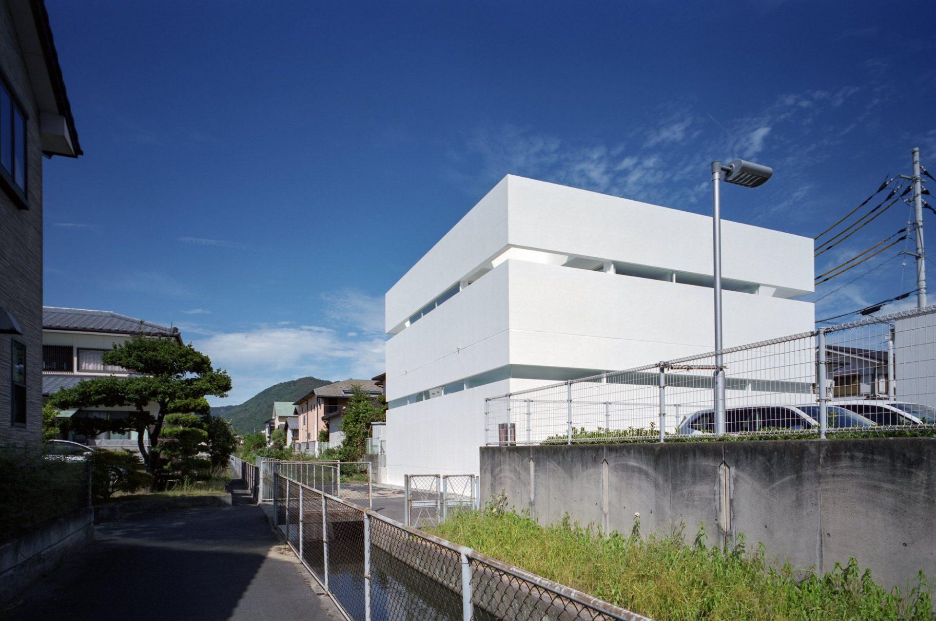 香川高松のガレージハウスの外観02