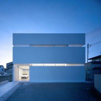 香川高松のガレージハウスの外観(夜景)04