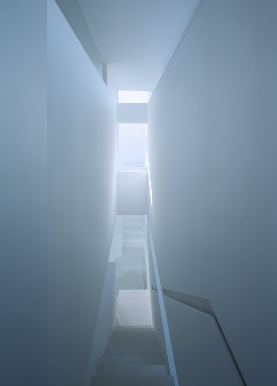 香川高松のガレージハウスの階段02