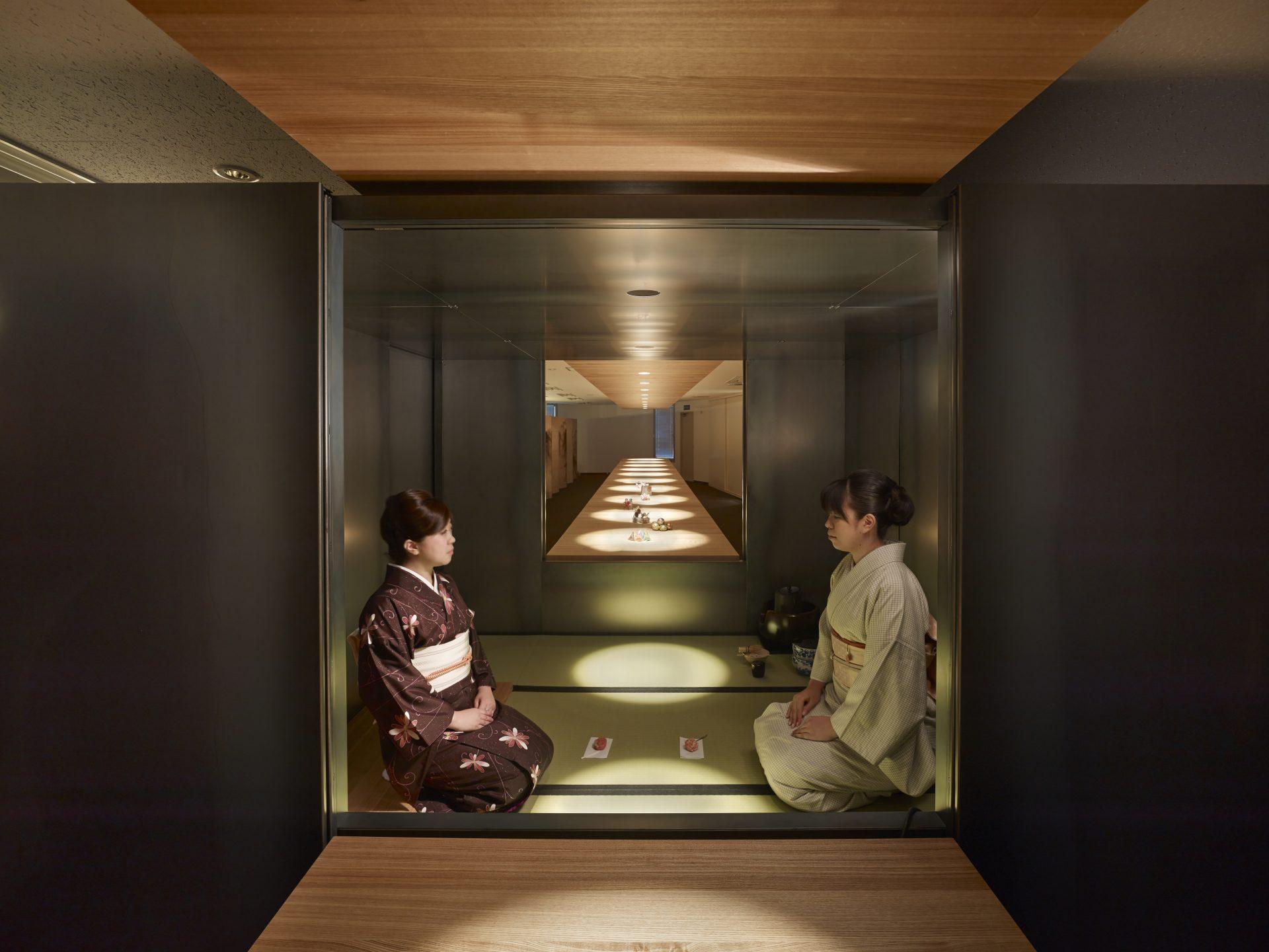 大阪松原の家の鉄の茶室01