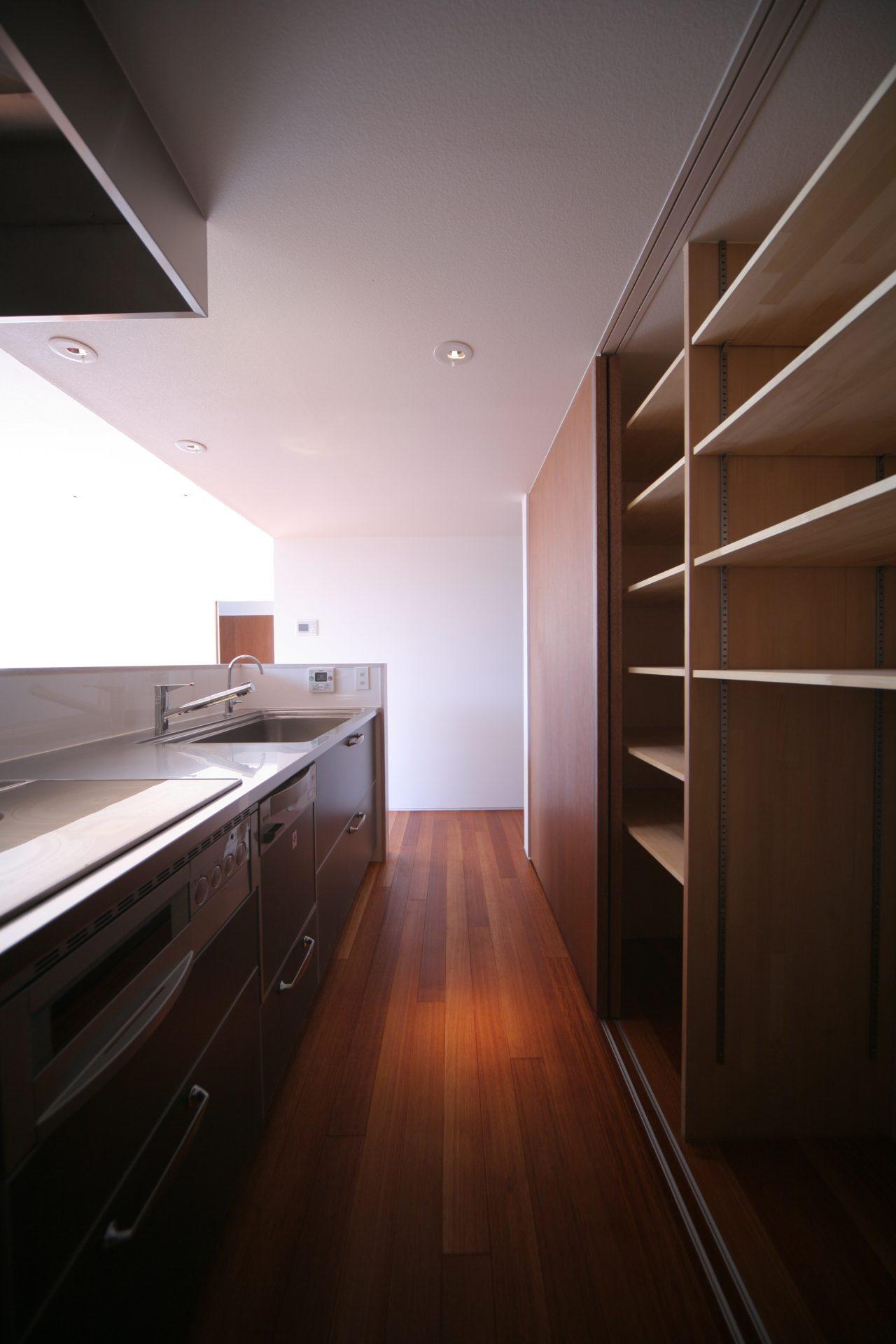 大阪百舌鳥の家のキッチン