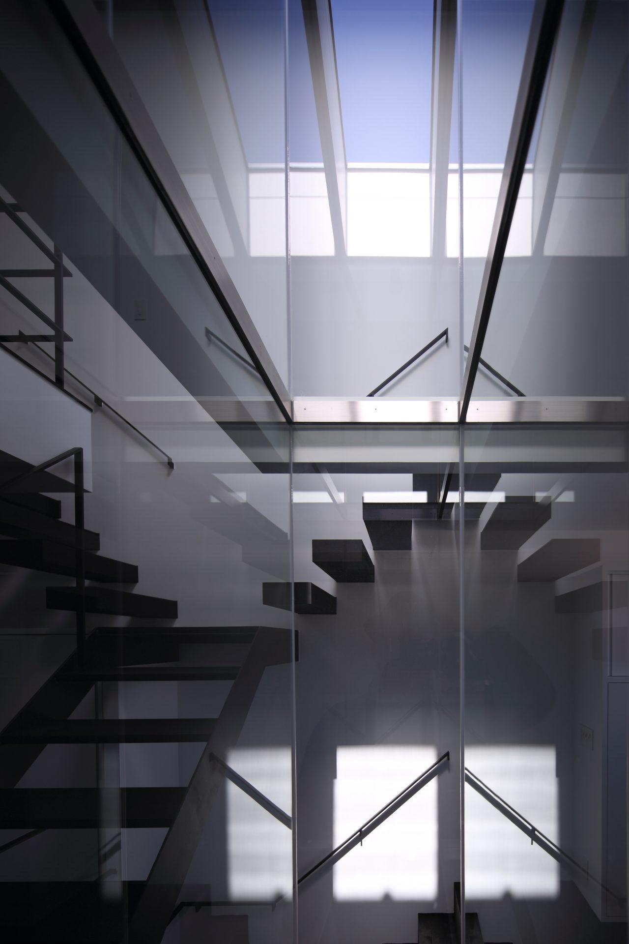 兵庫武庫之荘の家の階段01