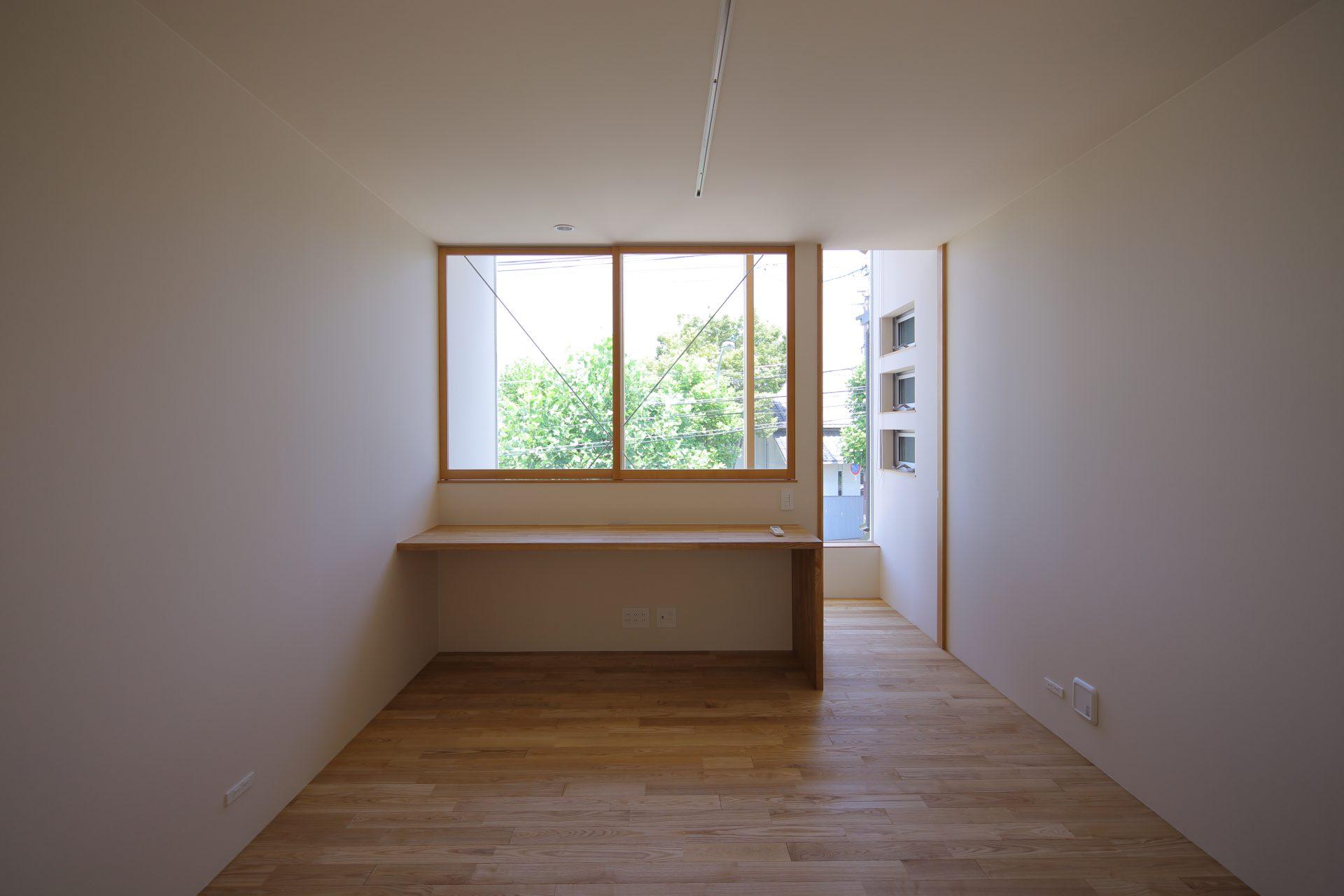 奈良奈良町の家のワークスペース