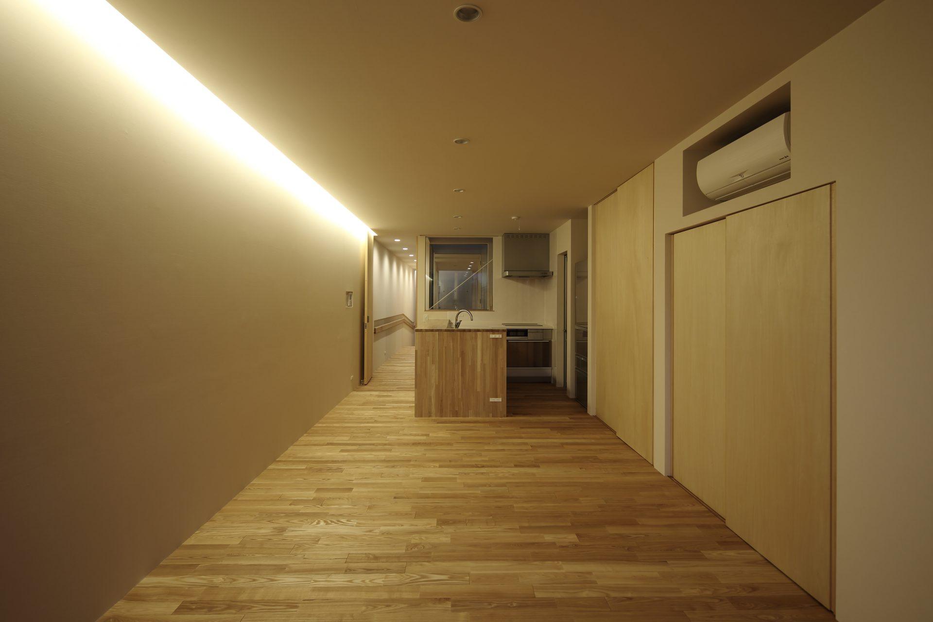 奈良奈良町の家のLDK(夜景)
