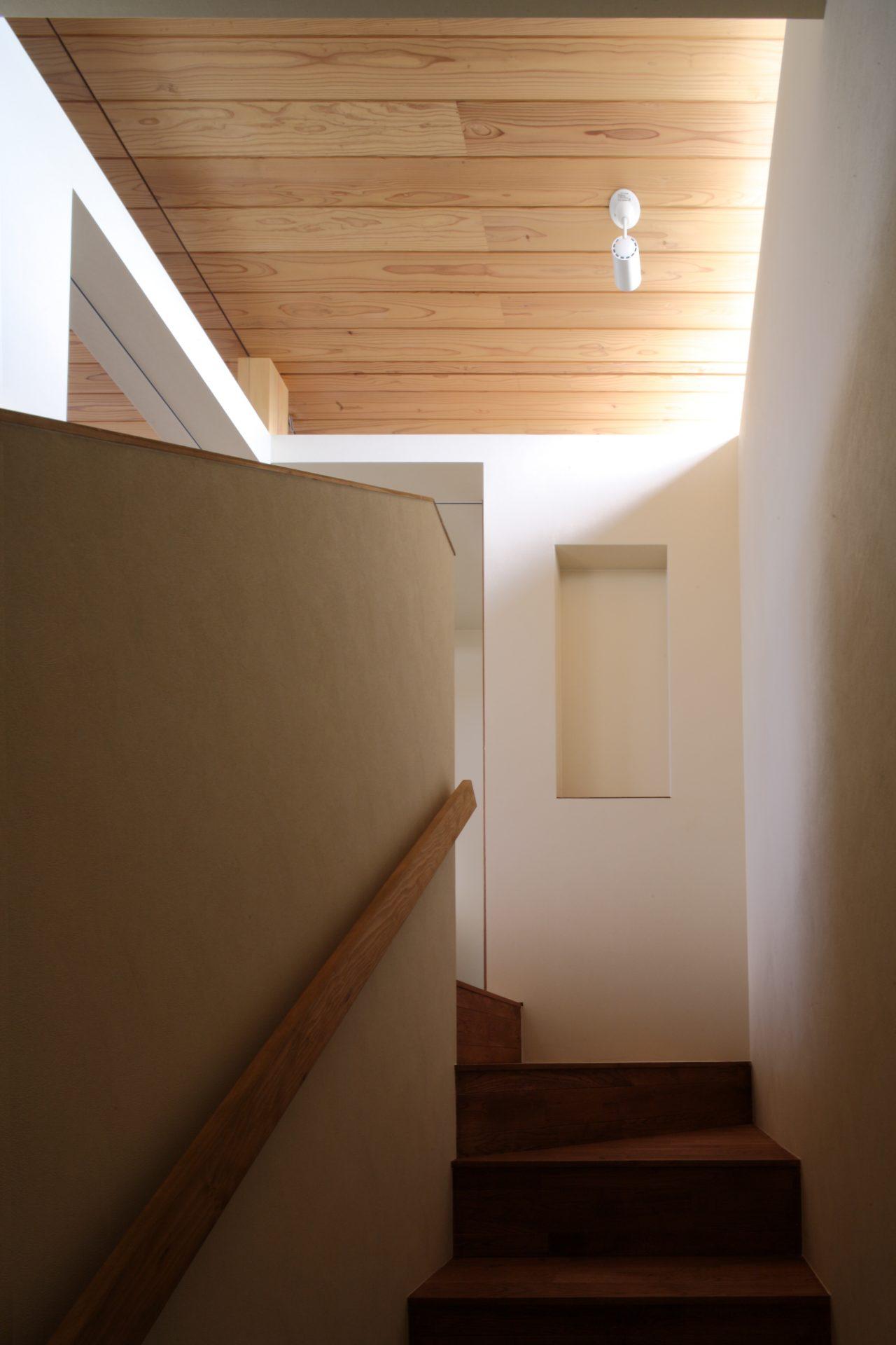 奈良西ノ京の家の階段02