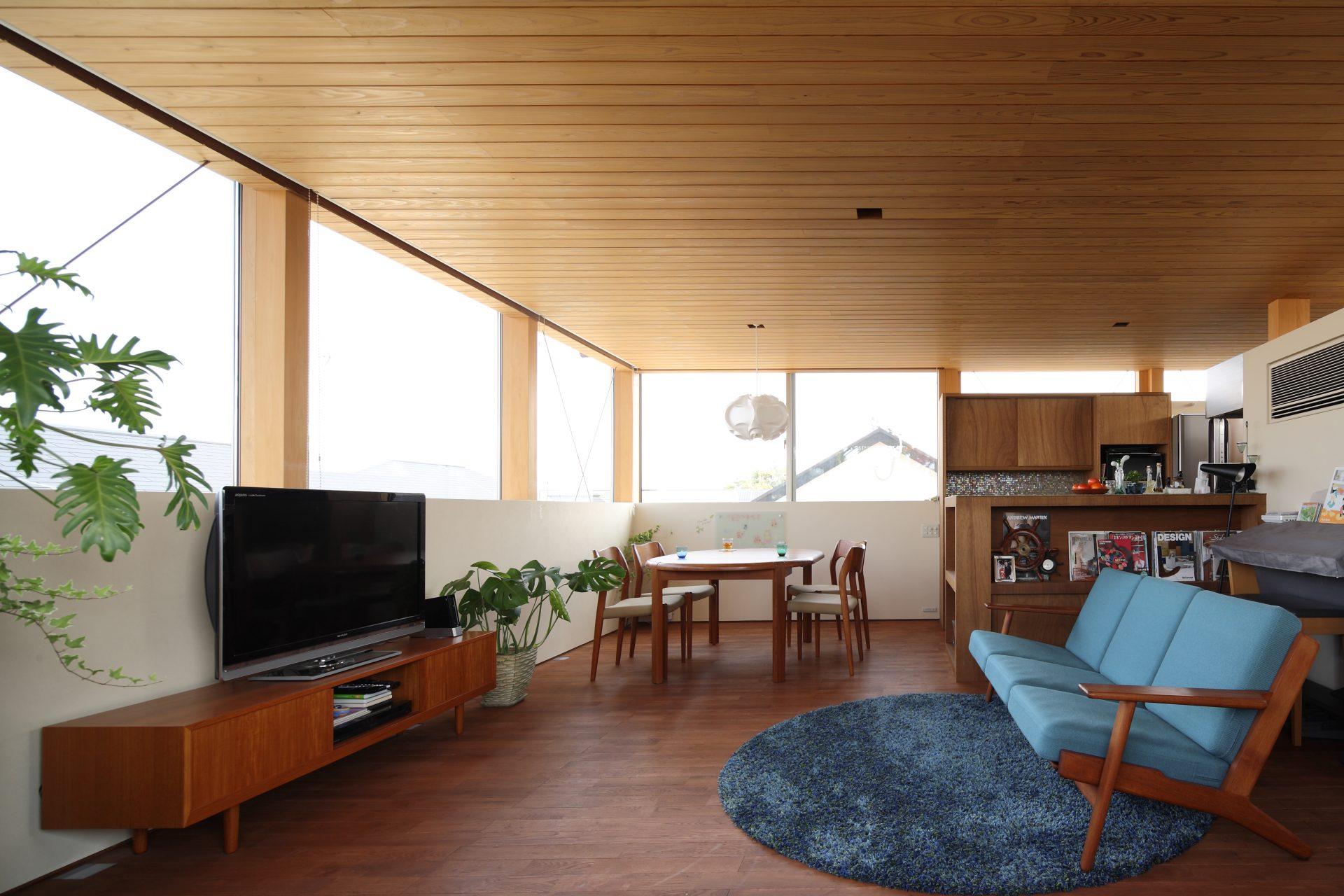 奈良西ノ京の家のリビングダイニング02