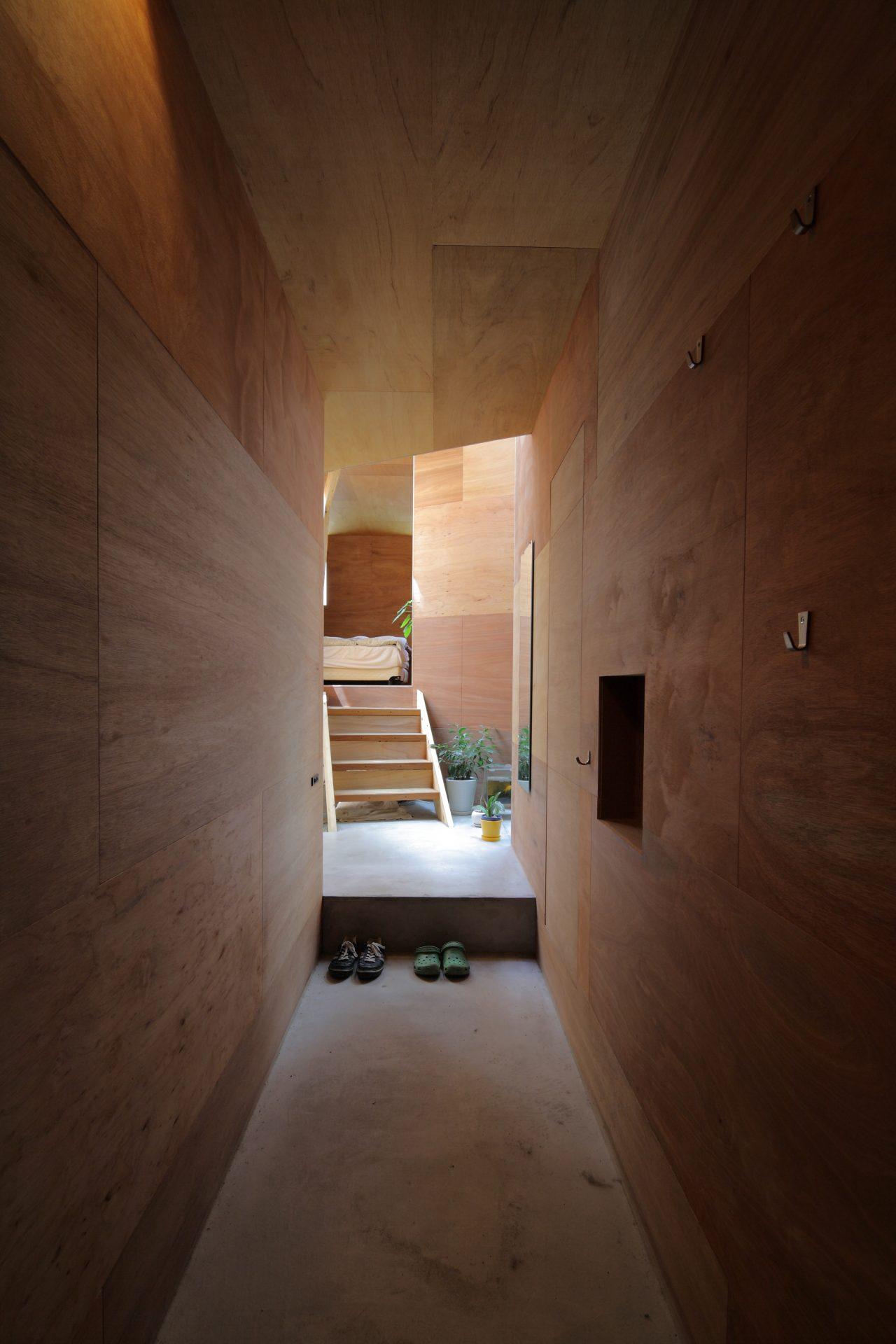 兵庫六甲の家の玄関